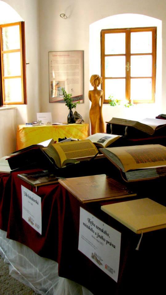 Výstava faksimilí středověkých knih